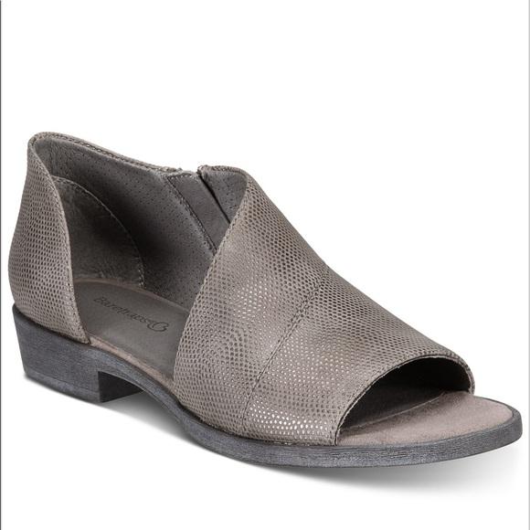 80b61ffdf4e BareTraps Shoes